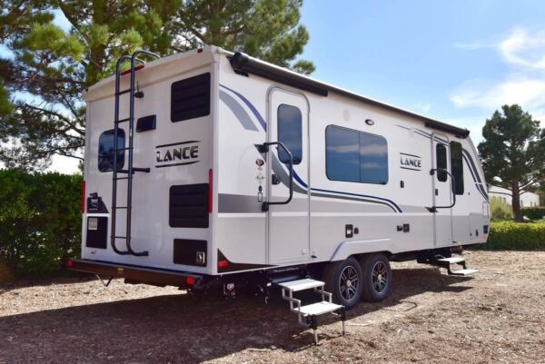 2020 2285 lance travel trailer dual entry