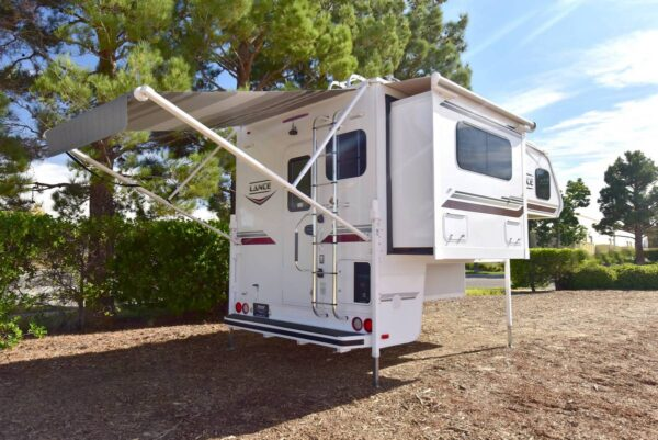 2020 lance 855s slide out and awning